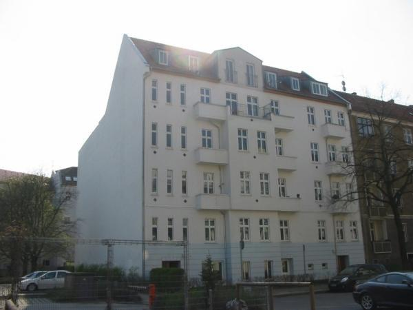 Berlino, Pankow, bel bilocale libero in palazzo d'epoca